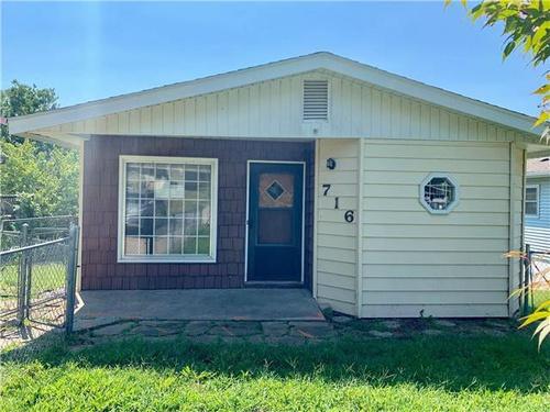 Photograph of 716 Logan St, Saint  Joseph, MO 64505
