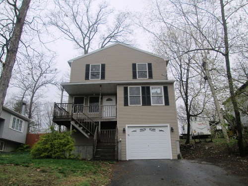 Photograph of 55 Freeman Ave, Webster, MA 01570