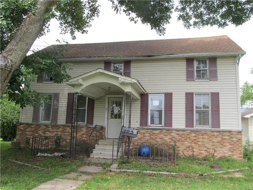 Photograph of 405 W 3rd North St, Mount Olive, IL 62069