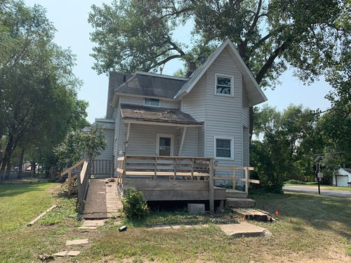 Photograph of 1100 3rd Ave SE, Watertown, SD 57201