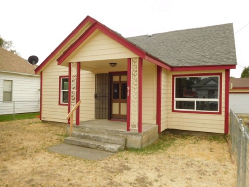 Photograph of 917 Robbins St, Milton Freewater, OR 97862