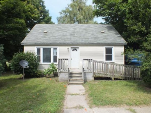Photograph of 457 Booth St, Grand Ledge, MI 48837