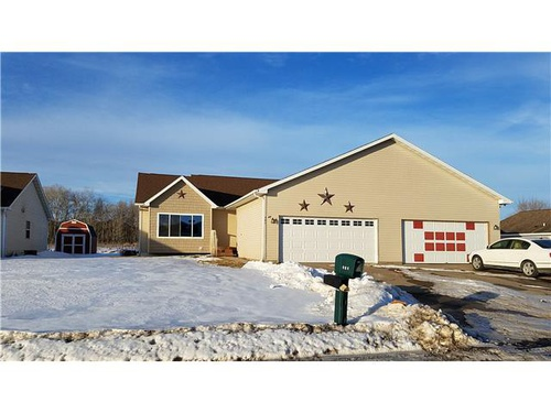 Photograph of 301 Meadow Ln, Woodville, WI 54028