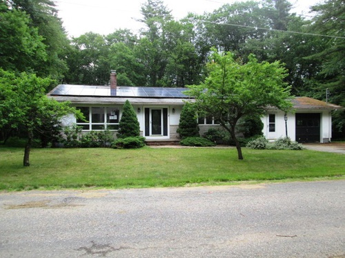 Photograph of 16 Debra Ln, Barre, MA 01005