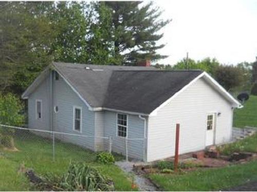 Photograph of 2945 Athens Rd, Princeton, WV 24739