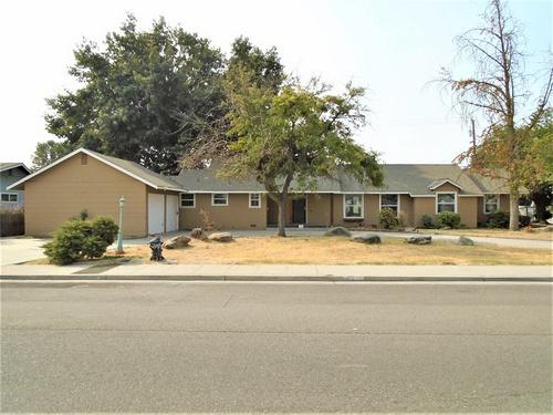 Photograph of 1375 Evergreen St, Selma, CA 93662