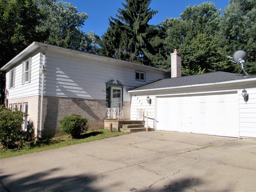 Photograph of 6497 Werstler Ave SW, Navarre, OH 44662