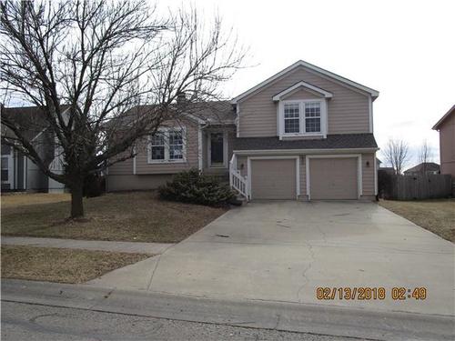Photograph of 937 E Cottage Creek Dr, Gardner, KS 66030