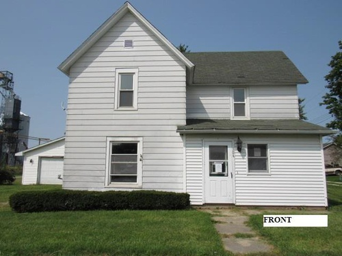Photograph of 304 First St, Donovan, IL 60931
