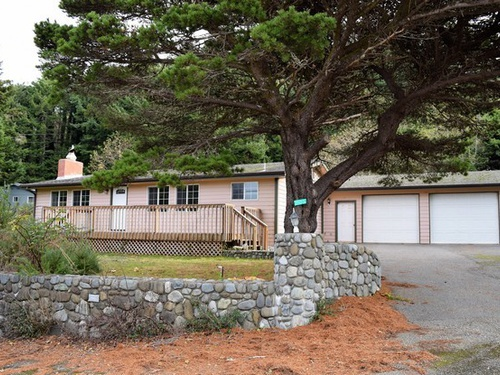 Photograph of 32953 Hillside Acres Rd, Gold Beach, OR 97444