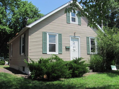 Photograph of 1525 6th St, Highland, IL 62249