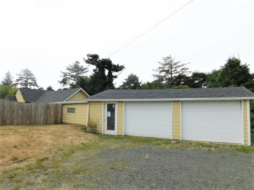 Photograph of 317 NW 19th St, Newport, OR 97365