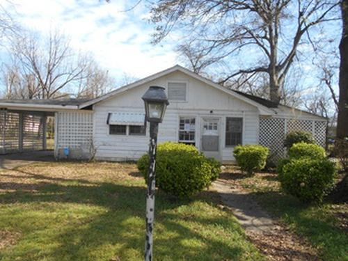 Photograph of 1212 Ridge Ave, Greenville, MS 38701