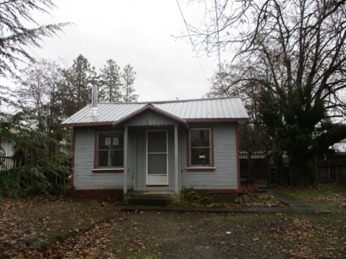 Photograph of 185 Mountain View St, Weaverville, CA 96093
