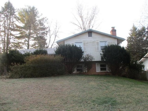 Photograph of 909 Burnt Crest Ln, Silver Spring, MD 20903