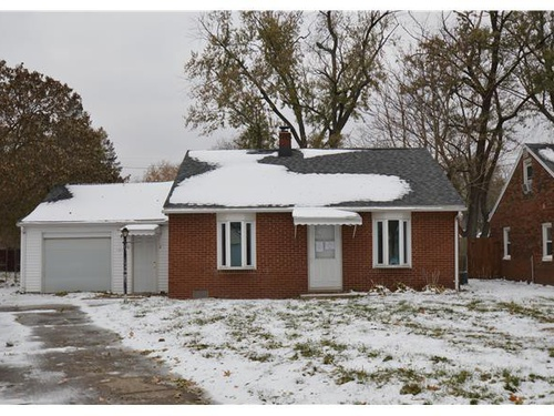 Photograph of 101 Howard Street, East Peoria, IL 61611