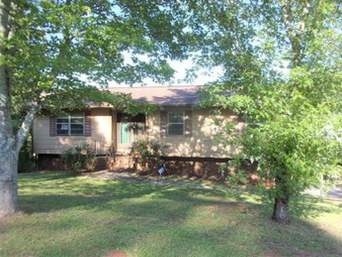 Photograph of 1029 Old Mill Rd, Anniston, AL 36207