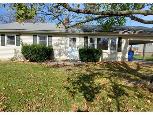 Photograph of 119 W 13th St, Front Royal, VA 22630