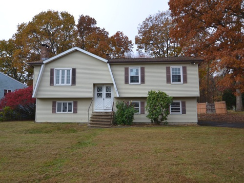 Photograph of 261 Grassy Hill Rd, Waterbury, CT 06704