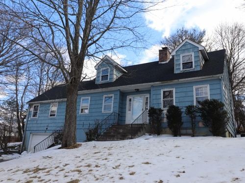 Photograph of 21 Tanglewood Rd, Waterbury, CT 06706