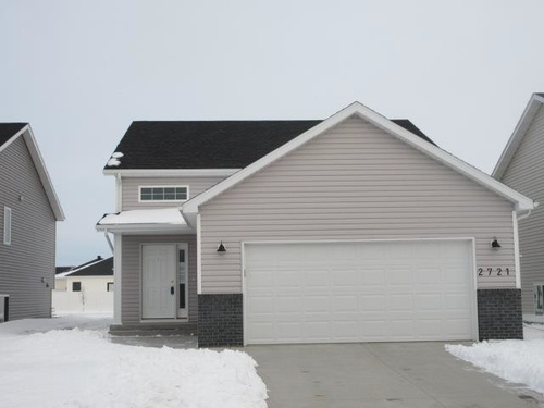 Photograph of 2721 Divide St W, West Fargo, ND 58078