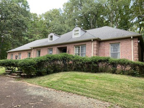 Photograph of 300 Forrest Hill Dr, Grenada, MS 38901