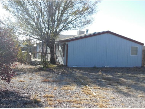 Photograph of 10 Stuart Dr, Los Lunas, NM 87031
