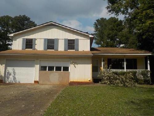 Photograph of 2045 Tiffany Ln, Jonesboro, GA 30236