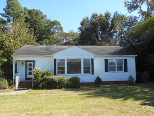 Photograph of 111 Second St, Calypso, NC 28325