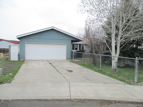 Photograph of 1025 NW Teal Loop, Prineville, OR 97754
