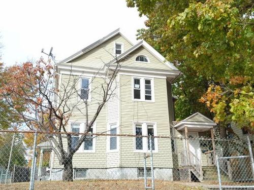 Photograph of 237 Elm St  02, Holyoke, MA 01040