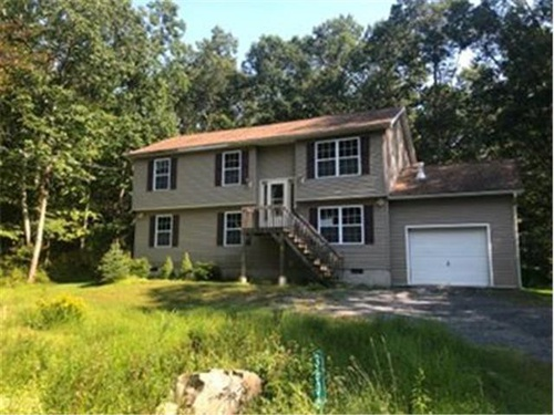 Photograph of 3606 Sequoia Dr, East Stroudsburg, PA 18302