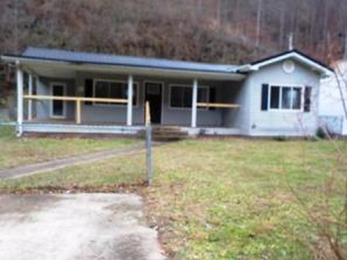 Photograph of 4225 Chloe Rd, Pikeville, KY 41501