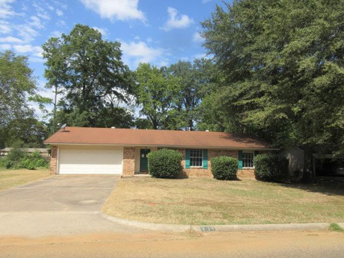 Photograph of 303 Redwater Rd, Wake Village, TX 75501