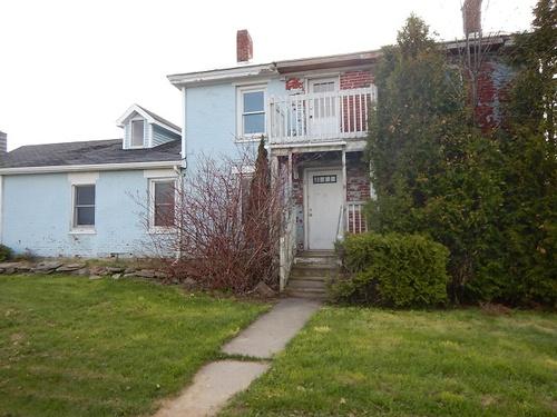 Photograph of 38 Fairbanks Rd, Champlain, NY 12919