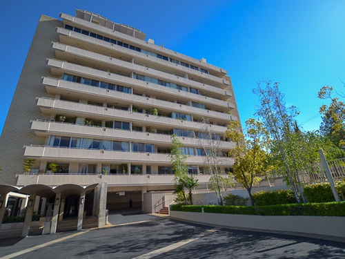Photograph of 1333 S Beverly Glen Blvd Unit 605, Los Angeles, CA 90024