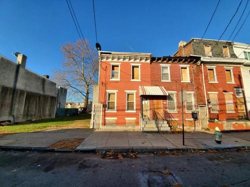 Photograph of 421 S 5th St, Camden, NJ 08103