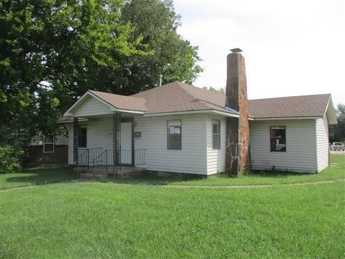 Photograph of 1210 S 9th St, Mcalester, OK 74501