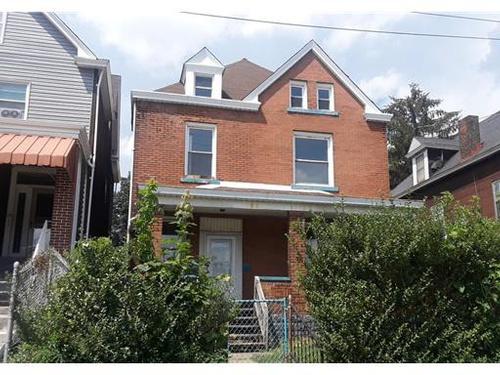 Photograph of 421 Kenmawr Ave, Rankin, PA 15104