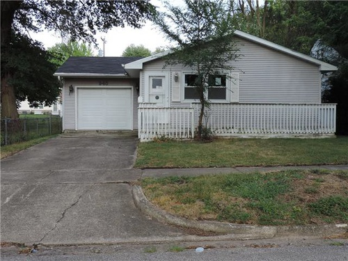 Photograph of 948 N Hill Ave, Decatur, IL 62522