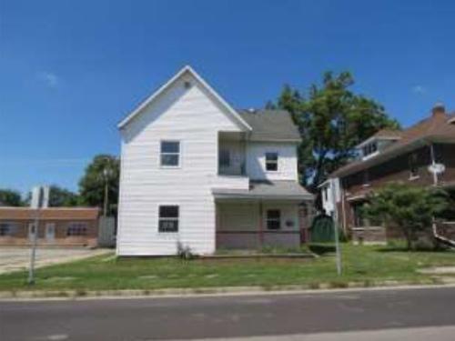 Photograph of 514 W Main Street, Muncie, IN 47305