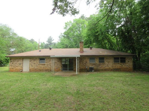Photograph of 504 Crystal Dr, Longview, TX 75604