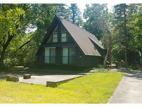 Photograph of 600 Candlewick Dr NE, Poplar Grove, IL 61065