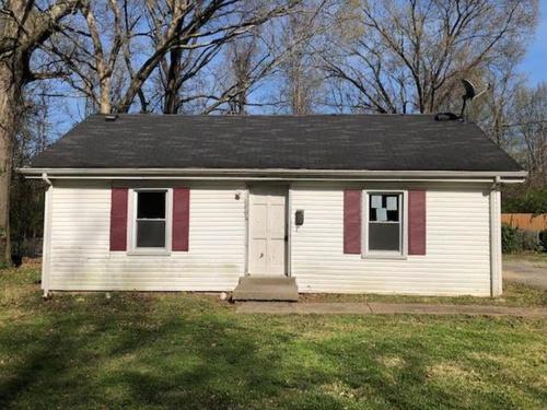 Photograph of 6807 Kentucky Ave, Louisville, KY 40258