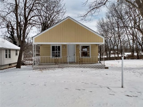 Photograph of 115 N Arlington Ave, Independence, MO 64053