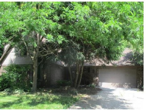 Photograph of 102 N Brenrich Rd, Pendleton, IN 46064