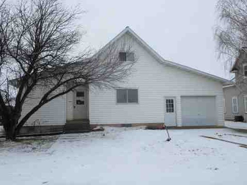 Photograph of 111 2nd St, Kathryn, ND 58049