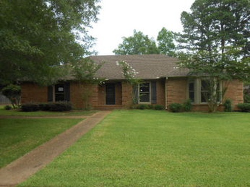 Photograph of 351 Long Cove Dr, Madison, MS 39110