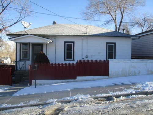 Photograph of 701 4th Ave W, Rock Springs, WY 82901
