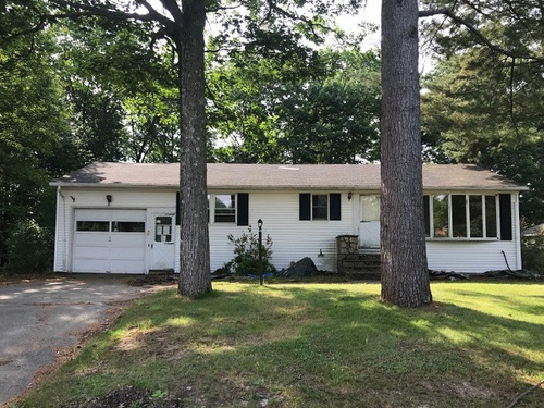 Photograph of 261 Park Rd, Westbrook, ME 04092